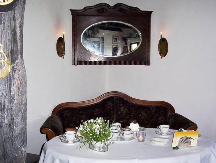Omas Sofa-Ecke im Bauernhof-Café