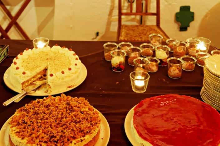 Wir servieren nur selbstgebackene Kuchen und Torten