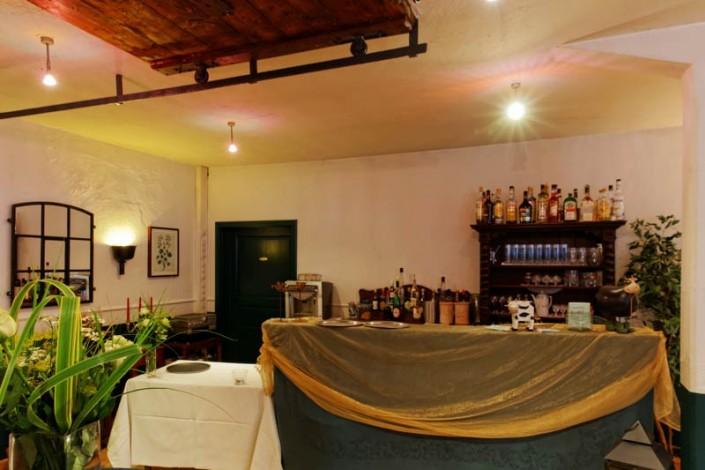 Die Bar im alten Kuhstall